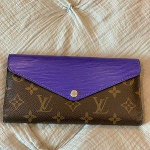 Louis Vuitton Full Set Wallet.